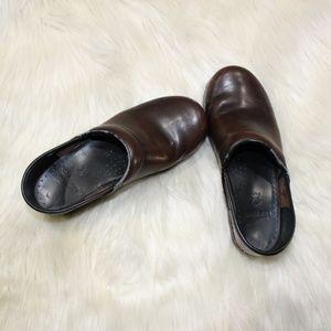 Dansko Brown Leather Clogs sz 37